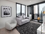 Photo Rare 3bed 2bath 1car in Empire. Fully Furnished...